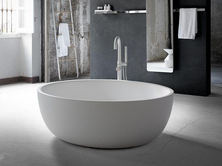 vasca da bagno centro stanza ovale in solid surface moon by inbani design inbani