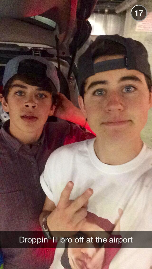 I LOVE HAYES GRIER!!! I LOVE HIM TO DEATH BUT WILL NEVER MEAT HIM SADLY. I WISH IT WERE FREE TO MEAT HIM! I WOULD LOVE TO SEE HIS BEAUTIFUL SMILE IN PERSON! I LOVE YOU HAYES GRIER!!!!