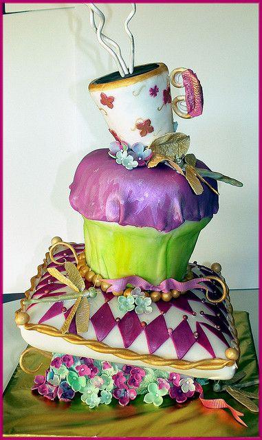 Crazy Cupcake Cake - Photo Sharing!
