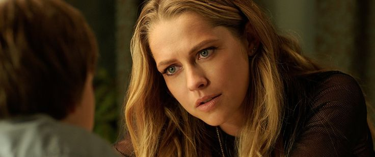 Lights Out Teresa Palmer Movie Image