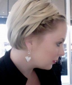 Short Hair Lookbook by Celebrity Hair Stylist Meredith Morris - The Savvy Assistant
