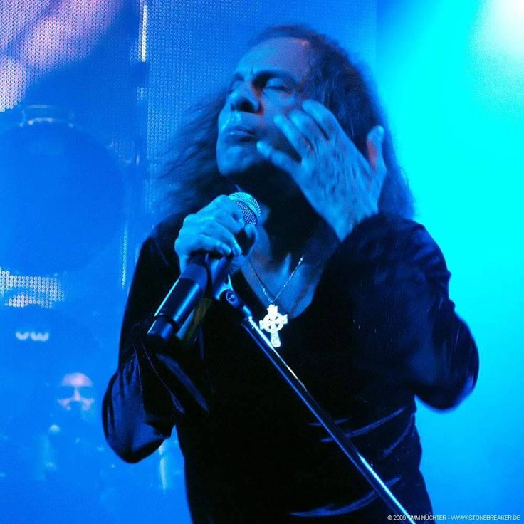 17 Best Images About Ronnie James Dio On Pinterest Horns