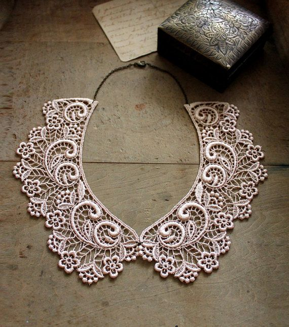peter pan collar - ASTRID - lace collar - detachable collar -valentines day- lace jewelry -party - romantic - preppy - vintage style