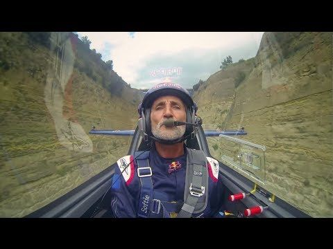 Flying through the Corinth Canal with Peter Besenyei