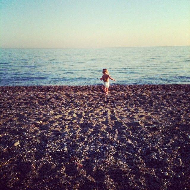 ❤❤❤❤ #varazze  #liguria  #igersvarazze  #igersliguria #tramonto #mare  #beach #sand #spiaggia #ultimibagni