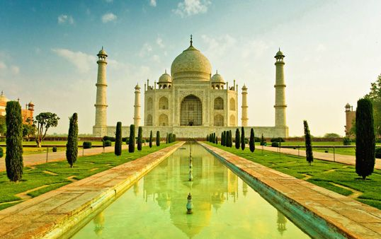 Same day Agra tour by car give you a great offer tour packages to explore the Taj mahal and many monuments in Agra. We are having travel agent if you are looking for Whole Agra.