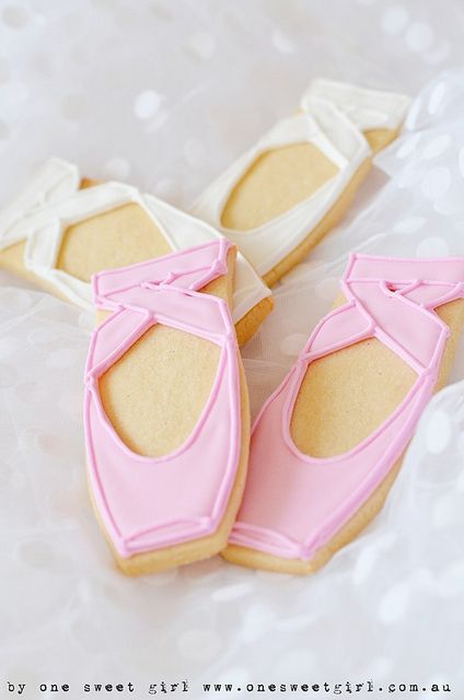 Ballet pointe shoe cookies