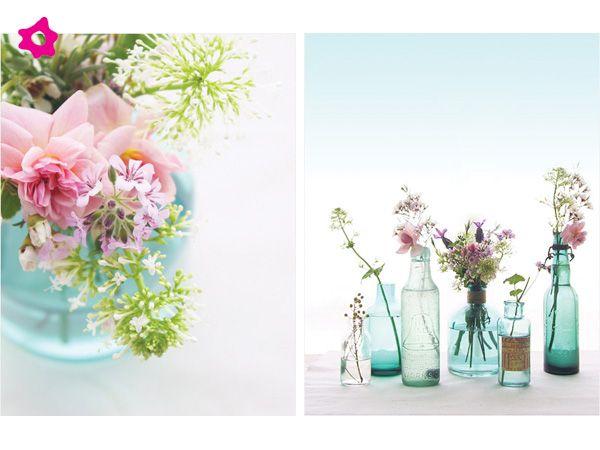 Los centros de mesa para boda vintage se caracterizan por estar ser hechos con base a arreglos de flores para boda en tarros y/o arreglos de flores para boda en botellas de cristal.