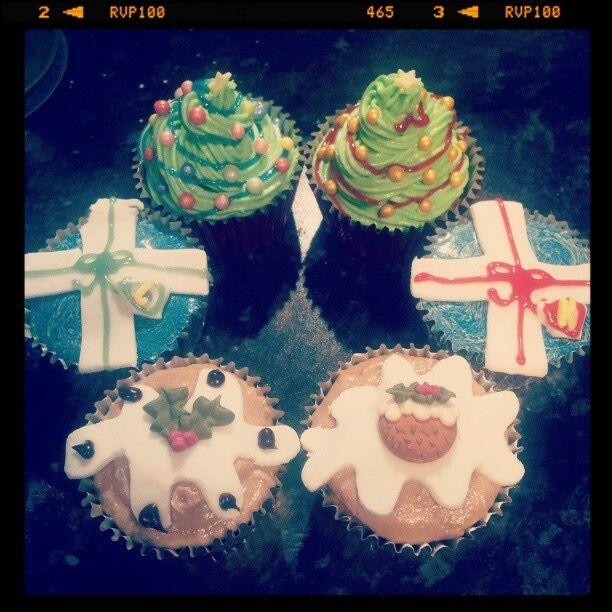 Christmas cupcakes - xmas tree, present, xmas pudding