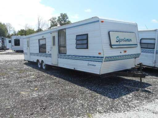 Check out this 1995 Sportsmen 350 listing in Peninsula, OH 44264 on RVtrader.com. It is a  Travel Trailer and is for sale at $2500.
