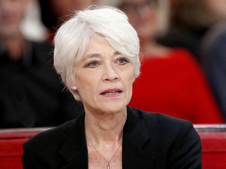 Les derniers mois ont été pénibles pour Françoise Hardy et ses proches. La chanteuse de 72 ans,atteinte d'un cancer de la lymphe en 2004, a vécu de sombres...