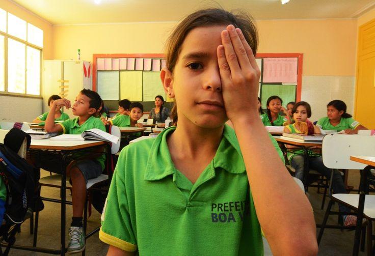 Prefeitura de Boa Vista, estudantes fazem exame de vista dentro da sala de aula #pmbv #prefeituraboavista #boavista #roraima