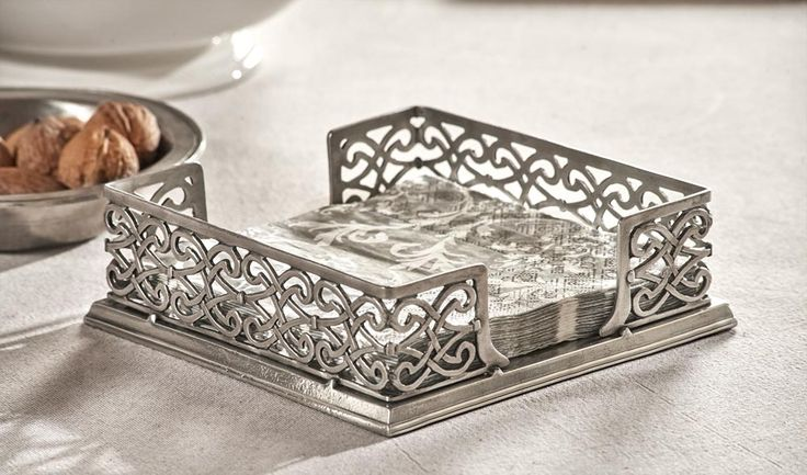 Pewter Napkin Holder - Length: 19 cm (7,5″) - Width: 19 cm (7,5″) - #pewter #napkin #holder #peltro #portatovaglioli #zinn #serviettenhalter #étain #etain #porte #serviettes #peltre #tinn #олово #оловянный #tableware #dinnerware #table #accessories #decor #design #bottega #peltro #GT #italian #handmade #made #italy #artisans #craftsmanship #craftsman #primitive