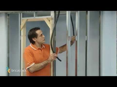 Construir tabiques de yeso laminado (Pladur) 1: estructura (BricocrackTV) - YouTube