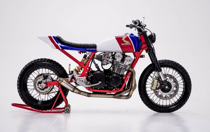 Honda CB750 Tracker por Herencia Custom Garage