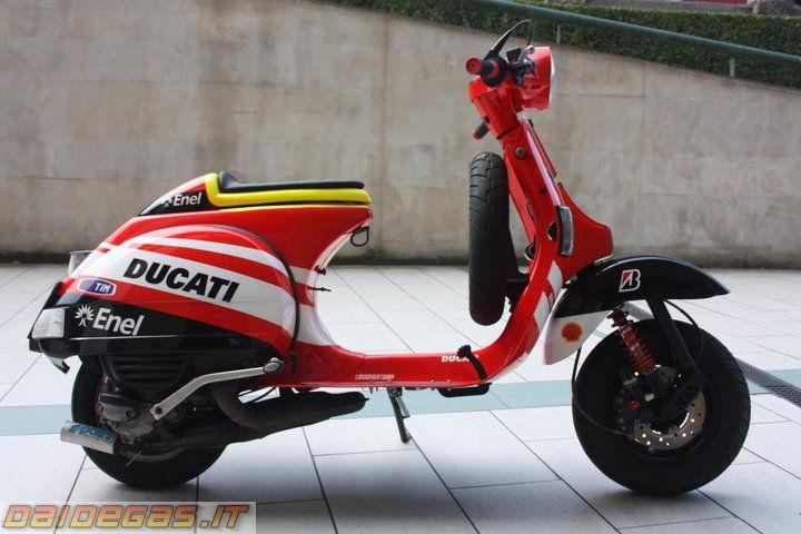 VESPA Ducati VALENTINO ROSSI 46 - DaiDeGas Forum
