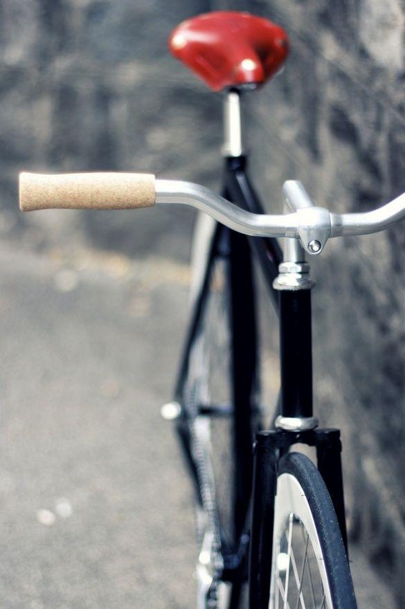die besten 25 fahrradsattel ideen auf pinterest aufbereitete fahrradteile fixie und fixie. Black Bedroom Furniture Sets. Home Design Ideas