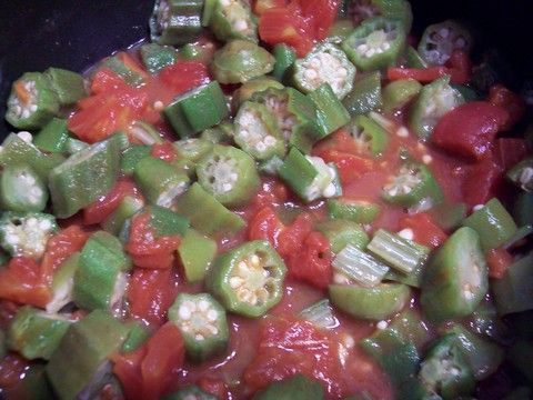 okra and tomatoes recipe is really easy