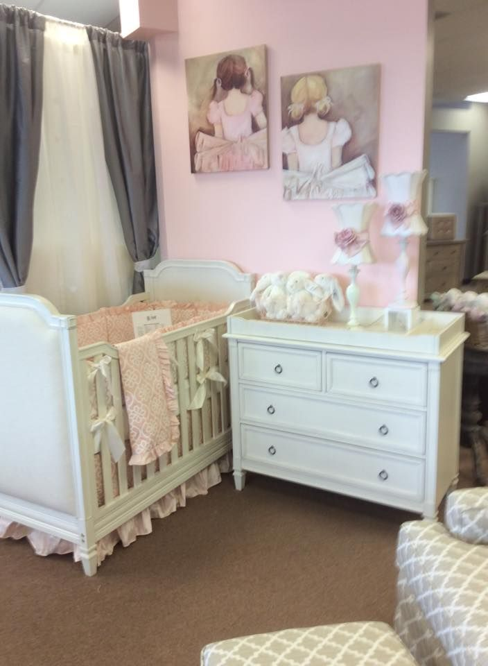 Pink Floral Crib Bedding With Pink Ruffles On Display At Babyu0027s U0026 Kidu0027s  Furniture In Houston, TX On The Haven Furniture