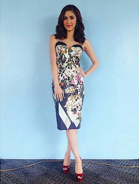 Kim chiu lace cocktail dresses