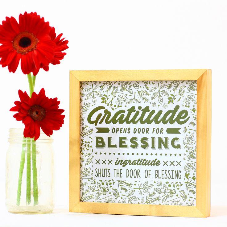 APR16-10Selalu ucapkan terima kasih dan bersyukur, karena Tuhan selalu mendengarkan apa yang kita minta dan memberi yang kita butuhkan. Maken Wall Decoration bisa menjadi self reminder yang juga mempercantik sudut rumah Anda.