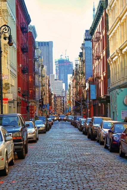 The sites and sounds of Soho. #chicgalleria #travel #NYC
