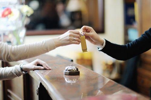 Hotel Secrets - 10 Confessions of Front Desk Clerks - Tourist Meets Traveler