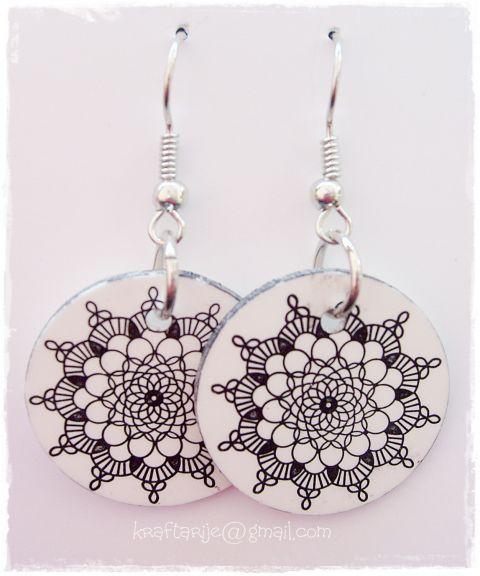shrink plastic earrings by Kraftarije https://www.facebook.com/Kraftarije