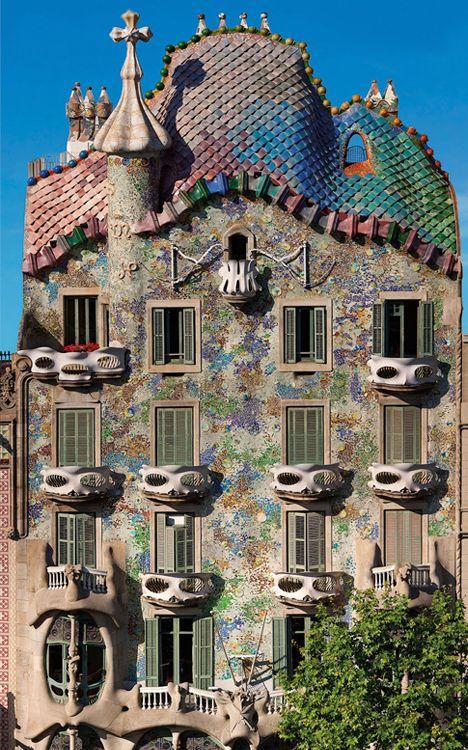 Casa Batlló facade, Gaudi building.