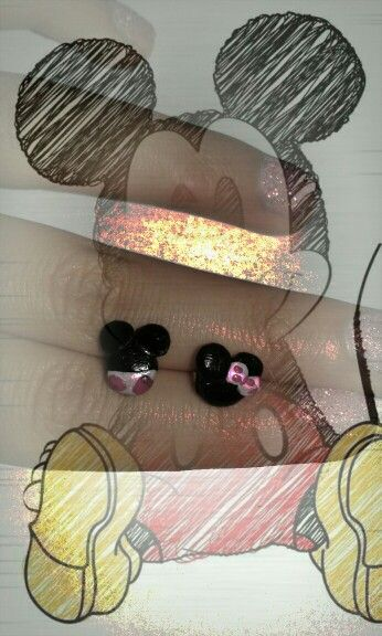 Mickey mouse earring FIMO (I)