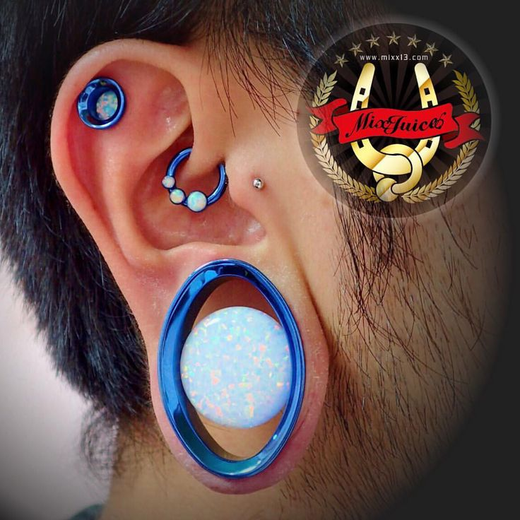 Happy new EAR! #mixjuice #mixjuicebodypiercing #ミックスジュース #anatometal #anatometalinc #アナトメタル #bodypierce #bodypiercing #piercing #piercingtakasaki #piercinggunma #piercingjapan #piercingstudio #piercingstudiotakasaki #piercingstudiogunma #piercingstudiojapan #ボディピアス #ボディーピアス #ボディピアッシング #ボディーピアッシング #ピアッシング #ピアッシング高崎 #ピアッシング群馬 #ピアッシングスタジオ高崎 #ピアッシングスタジオ群馬 #legitbodyjewelry (MIX JUICE Body Piercing(ミックスジュース))