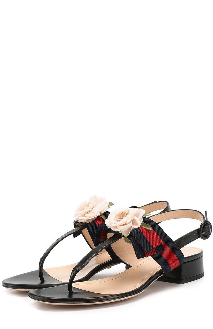 Женские черные кожаные сандалии cindi с цветочной аппликацией Gucci, сезон SS 2017, арт. 453436/H5QH0 купить в ЦУМ | Фото №1