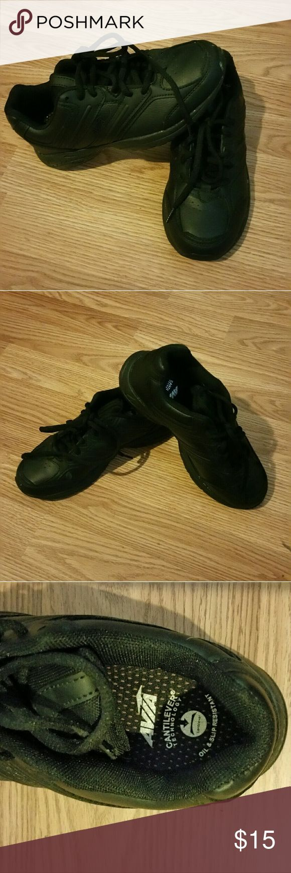 Oil & Slip resistant sneakers Black avia sneakers  Oil and slip resistant  Only worn twice.  No flaws. Avia Shoes Sneakers