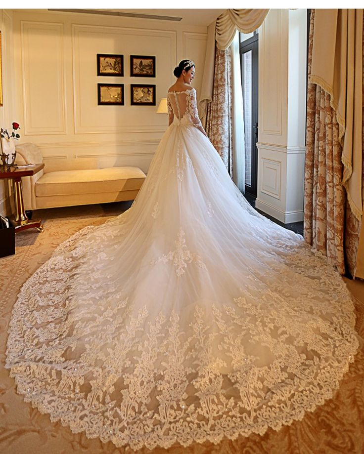 2016 Gorgeous Cathedral Train Ball Gown Wedding Dress Sexy Lace V Neck Appliques Beading Quarter Sleeve Muslim Vestido De Noiva