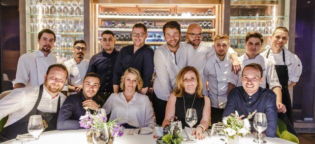 Babel Budapest Restaurant: Online Reservation, Opening Hours: Tuesday - Saturday 18:00 - 24:00 Tel.: +36 70 6000 800 Address: 1052 Budapest Piarista köz 2.