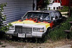 Восемь левых (newfrontier08) Метки: авто графство старый классический брошенных автомобилей Висконсина Canon EOS утиль автомобиль GM вообще лимузин Кадиллак моторы Jefferson Wi лимузине 40d