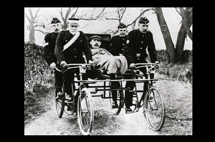 Cycle ambulance © St John Ambulance