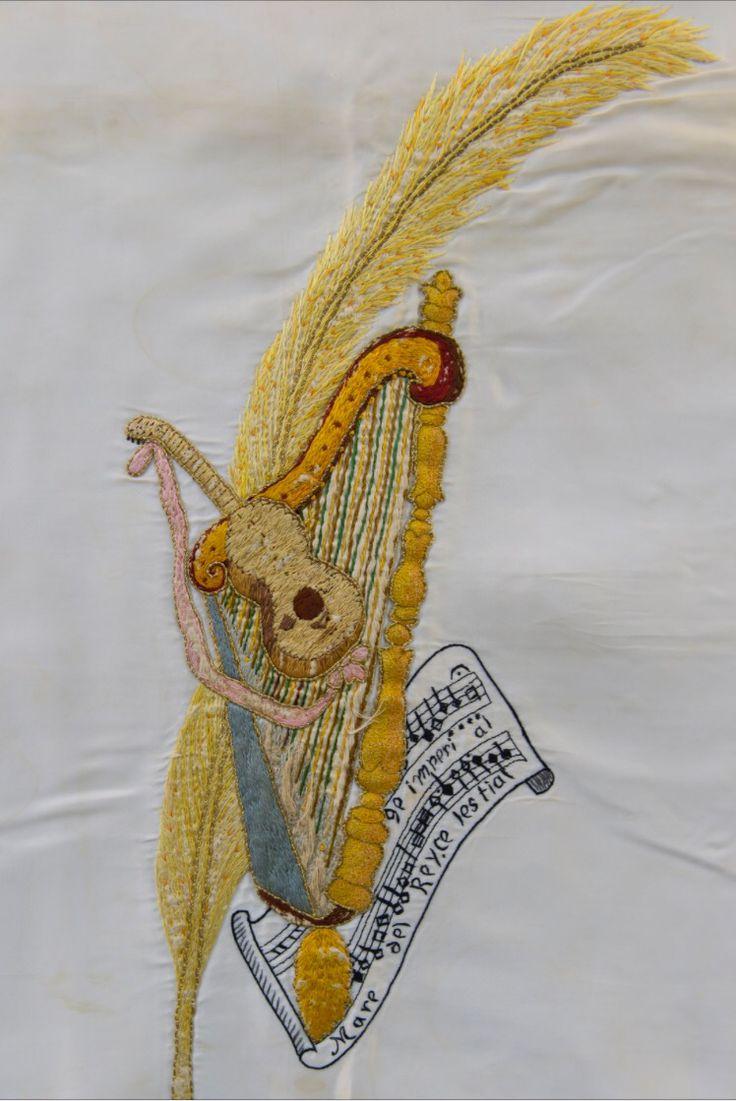 Bordado de la alegoría de la Festa (palma, arpa y Consueta) diseñado por Pedro  Ibarra 1924 foto Sixto Marco