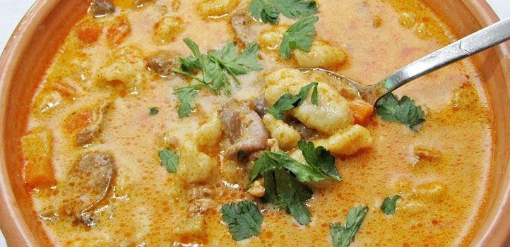 Legyen bármilyen hideg, egy tál forró leves mindenkit jókedvre derít!