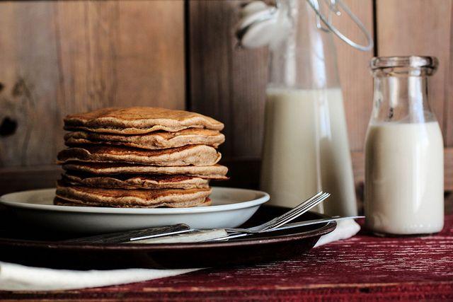 Banana Cinnamon Pancakes by pastryaffair