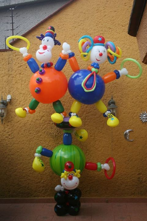 17 best images about circus balloon decor on pinterest for Clown dekoration