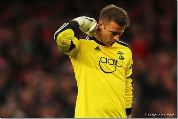 Error del arquero le cuesta el partido al Arsenal (+ Video + Risas) - http://www.leanoticias.com/2013/11/25/error-del-arquero-le-cuesta-el-partido-al-arsenal-video-risas/
