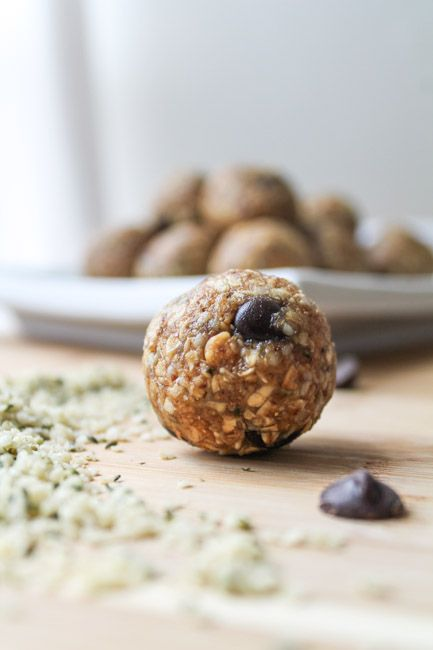 Hemp Seed Energy Balls 1 cup quick oats (certified gluten free if required) ¼ cup dark chocolate chips ½ cup peanut butter ¼ cup honey (if vegan, use maple syrup) ¼ cup raw hemp seeds ¼ cup ground flax 1 tsp vanilla pinch of sea salt Instructions Stir al
