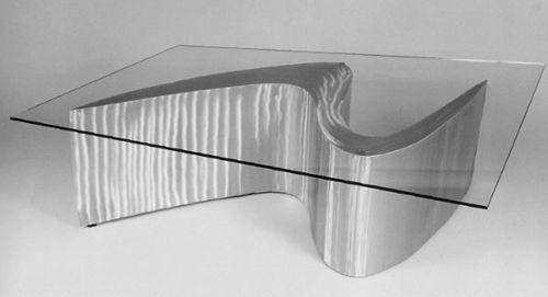 Moderne attraktive Couchtische fürs Wohnzimmer – 50 coole Bilder - trendy eigenartige kaffeetische metall glanzvoll glas platte