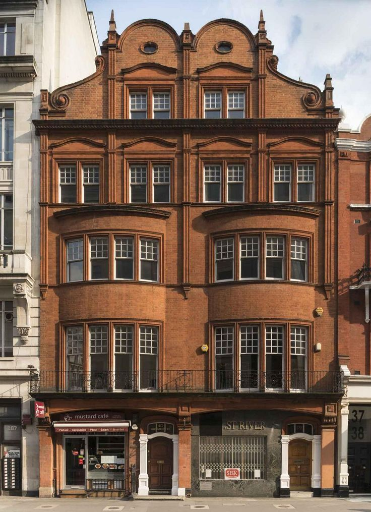 3940 Margaret Street, Marylebone. (C) Chris Redgrave