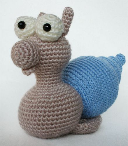 Lumaca amigurumi by Hobby Uncinetto, via Flickr