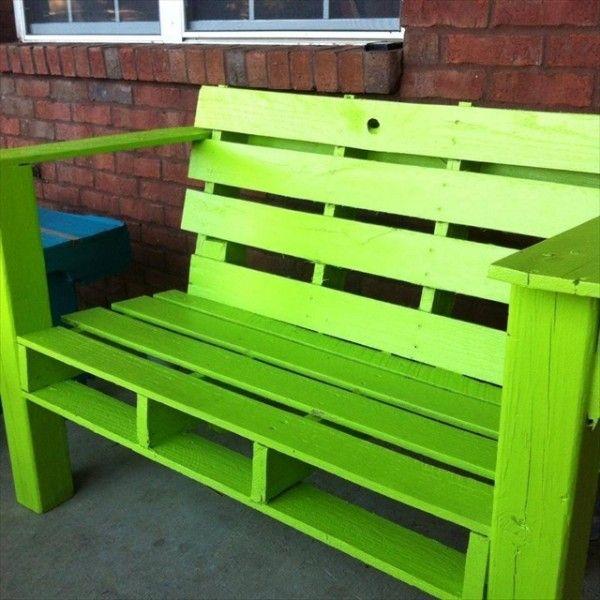 pallet furniture for outdoors pallet bench pallets and bench. Black Bedroom Furniture Sets. Home Design Ideas