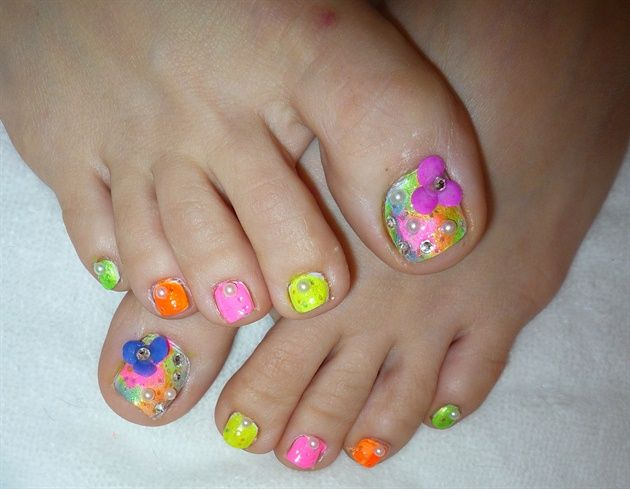 3D Spring Flowers Toe Nail Design by JapanNails - Nail Art Gallery nailartgallery.nailsmag.com by Nails Magazine www.nailsmag.com #nailart