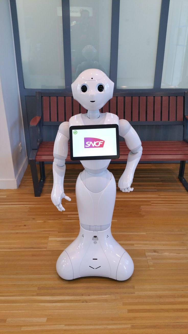 sncf avant de prendre le train nous avons fait connaissance avec un robot cool pepper. Black Bedroom Furniture Sets. Home Design Ideas