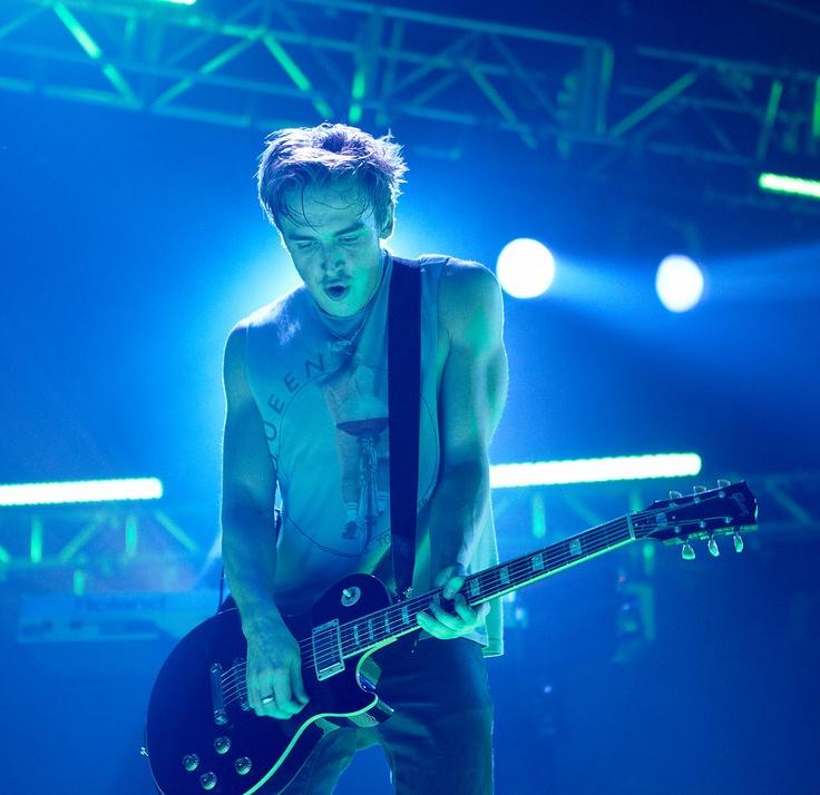 Tom in concert